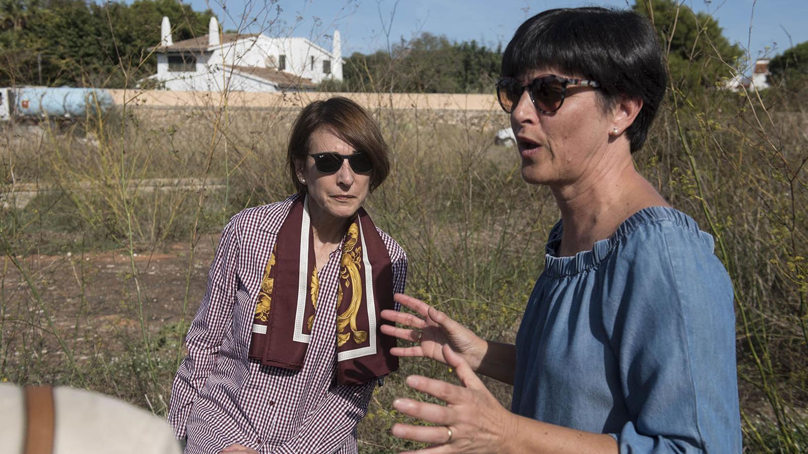 Cristina Latorre i Joana Gomila han mostrat bona sintonia a la visita realitzada als terrenys de Santa Rita.