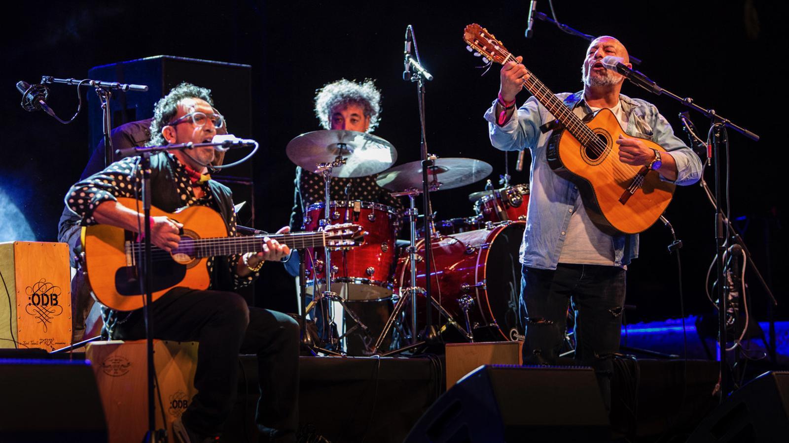 Ramón Giménez, Sergio Ramos i Julio Cortés en el concert d'homenatge a  Xavi Turull al Park Güell.