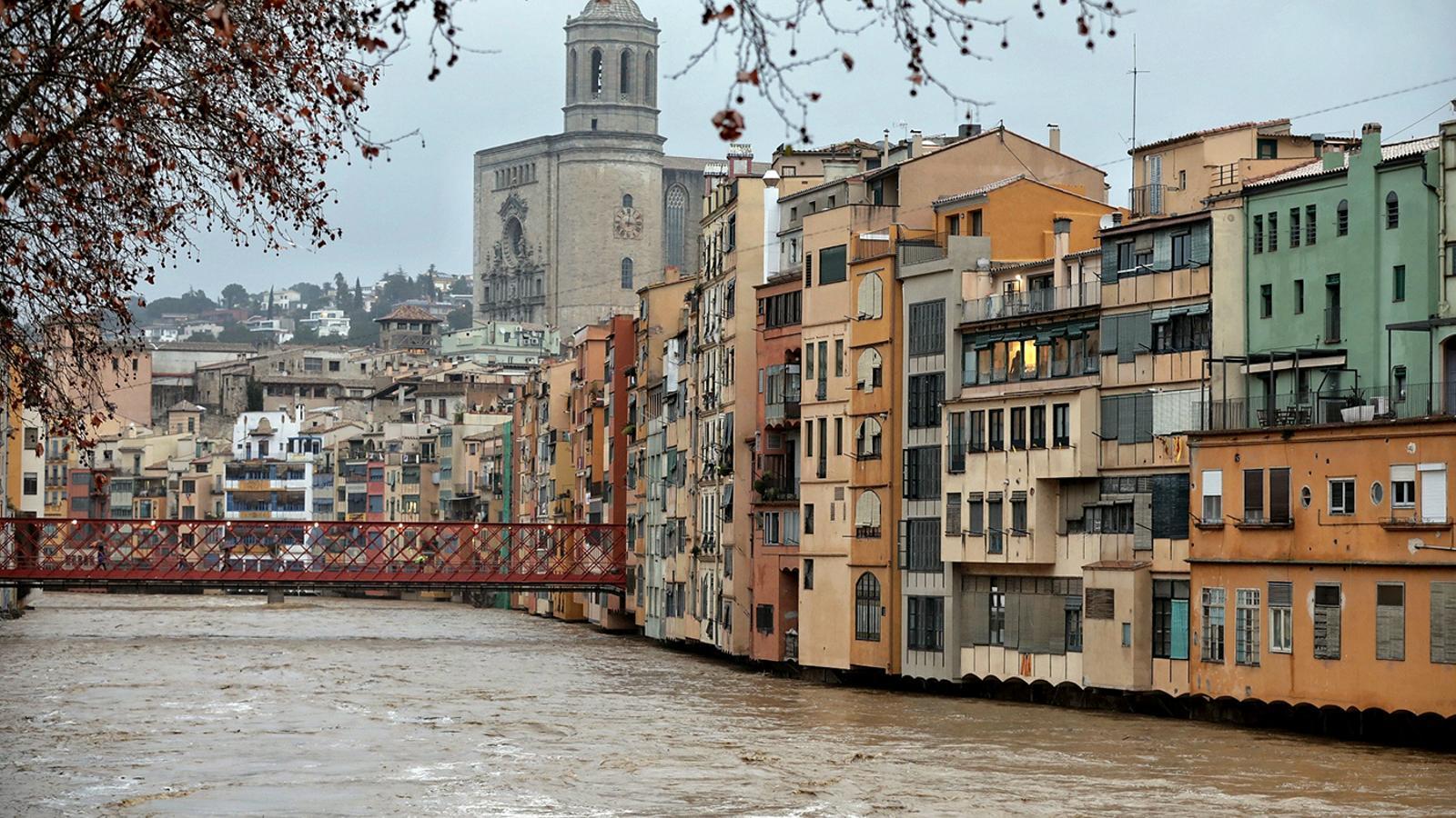 El riu Onyar de Girona al límit