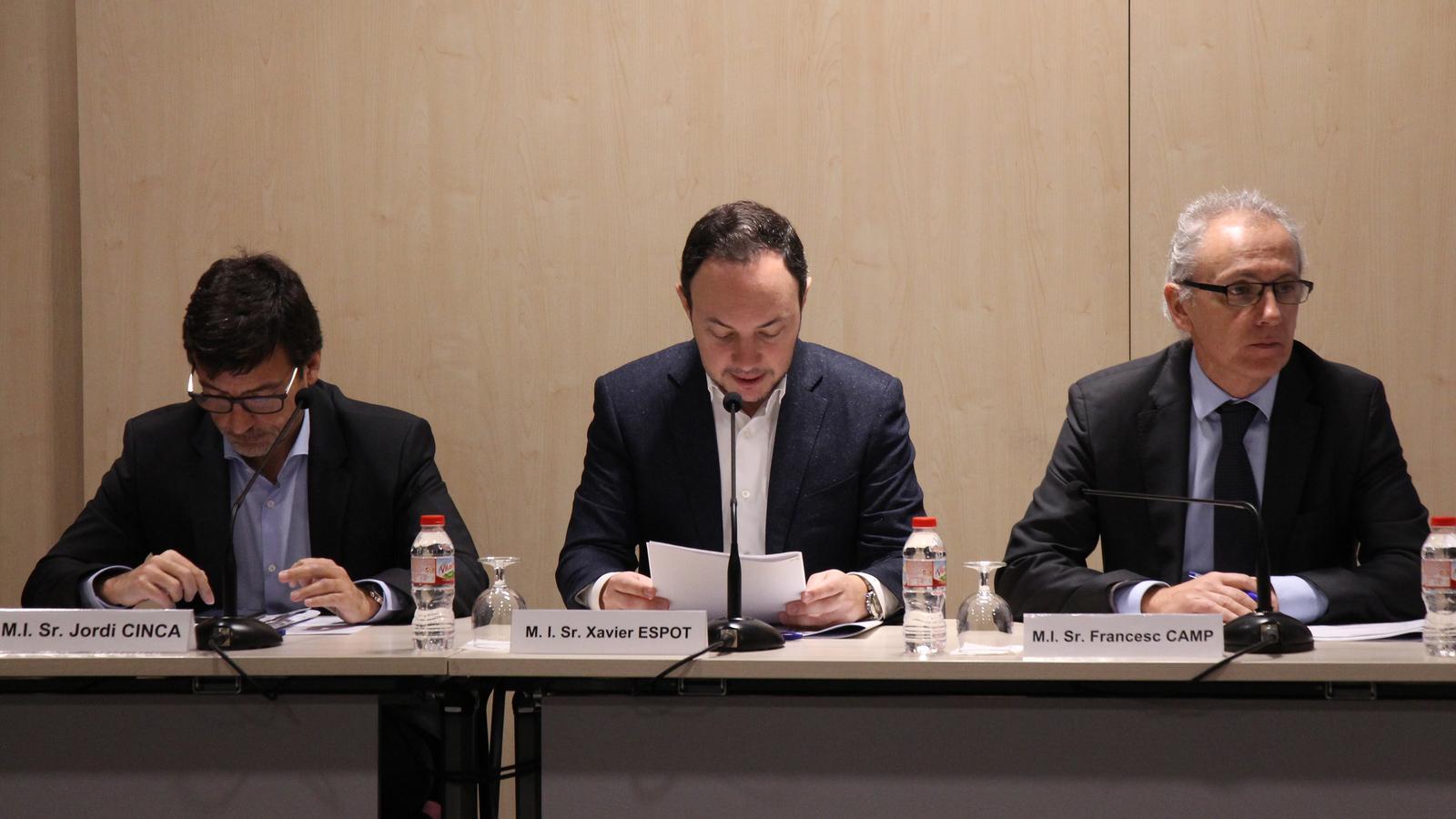 Jordi Cinca, Xavier Espot i Francesc Camp durant la 3a Reunió de la Comissió Nacional de l'Habitatge celebrada aquest dimarts. / M. R. F. (ANA)