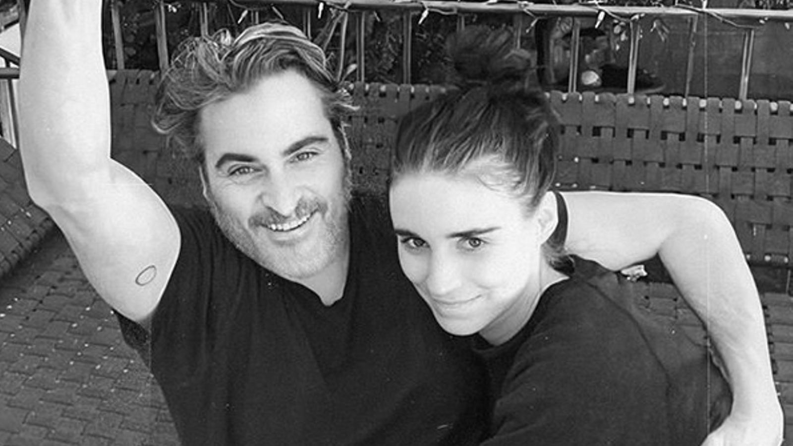 Joaquin Phoenix i Rooney Mara, en una foto a casa seva