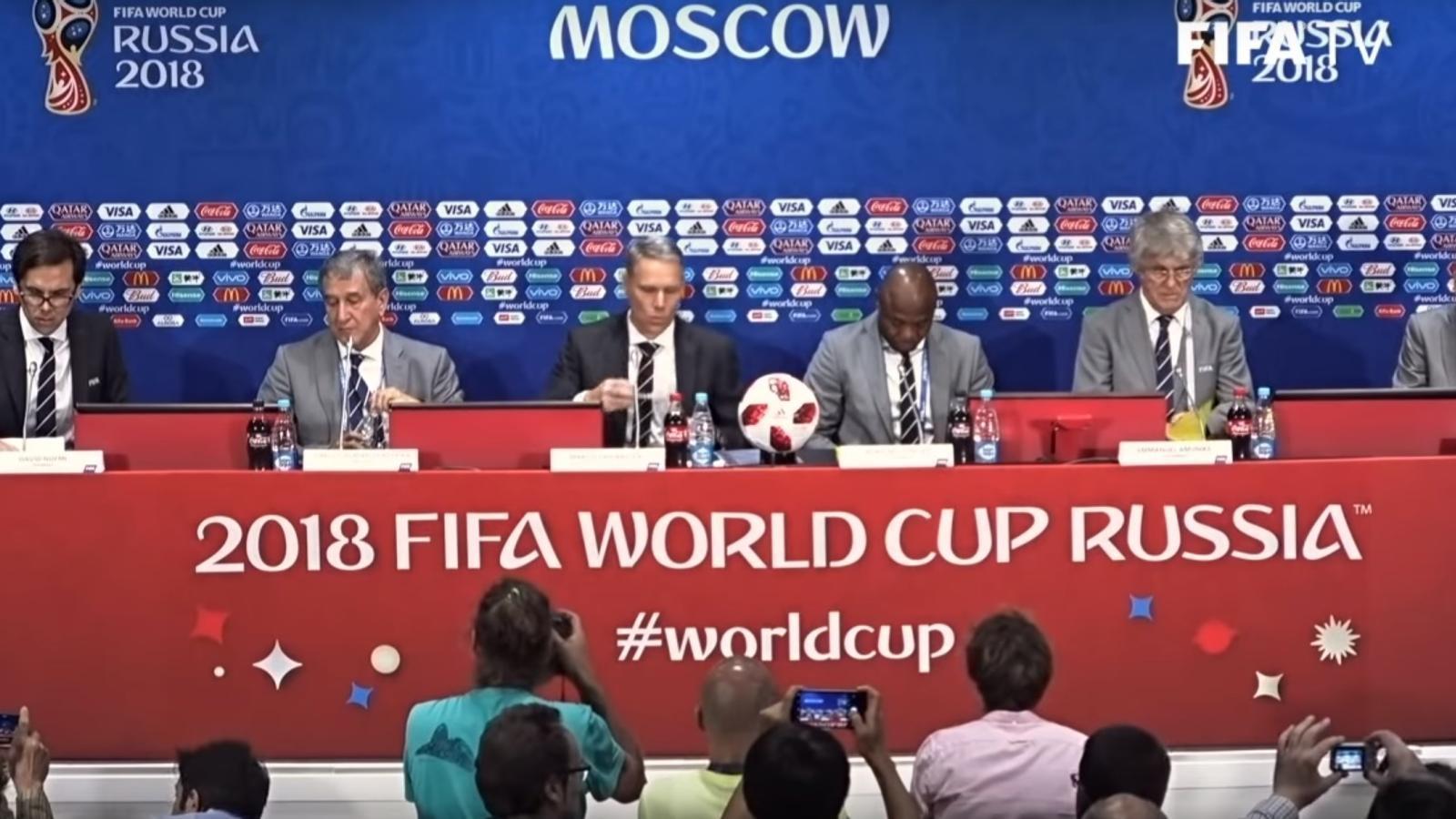 Imatge de la roda de premsa del Grup d'Estudis Tècnics de la FIFA