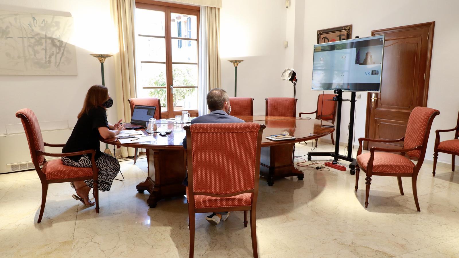La presidenta del Govern, Francina Armengol, durant la reunió telemàtica d'aquest dijous