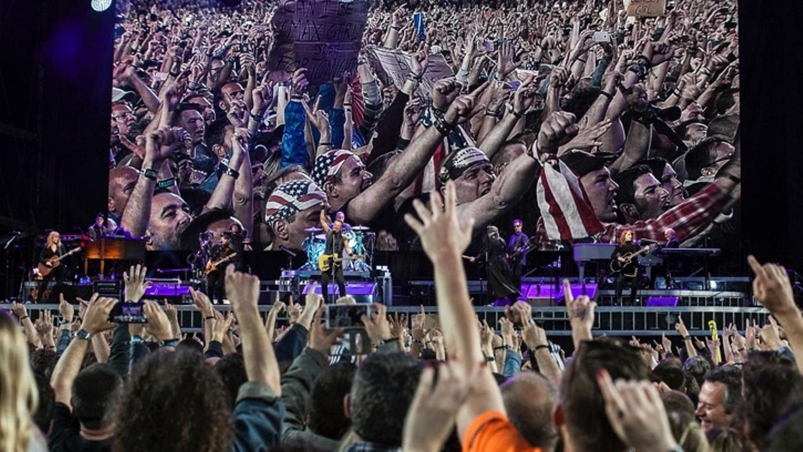 Fragment de l'actuació de Bruc Springsteen al Camp Nou
