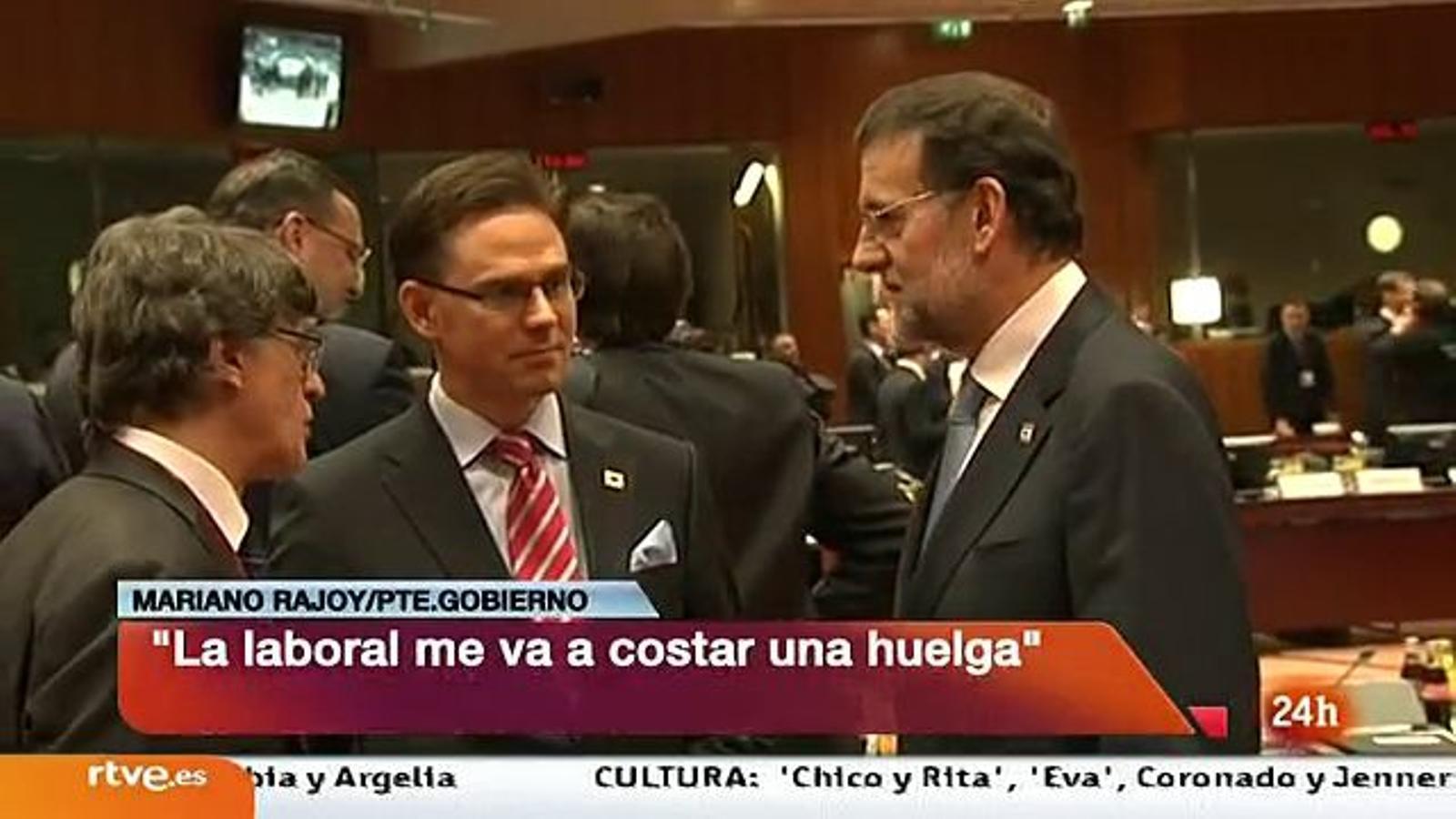 Rajoy, enxampat a Brussel·les confessant que la reforma laboral li costarà una vaga