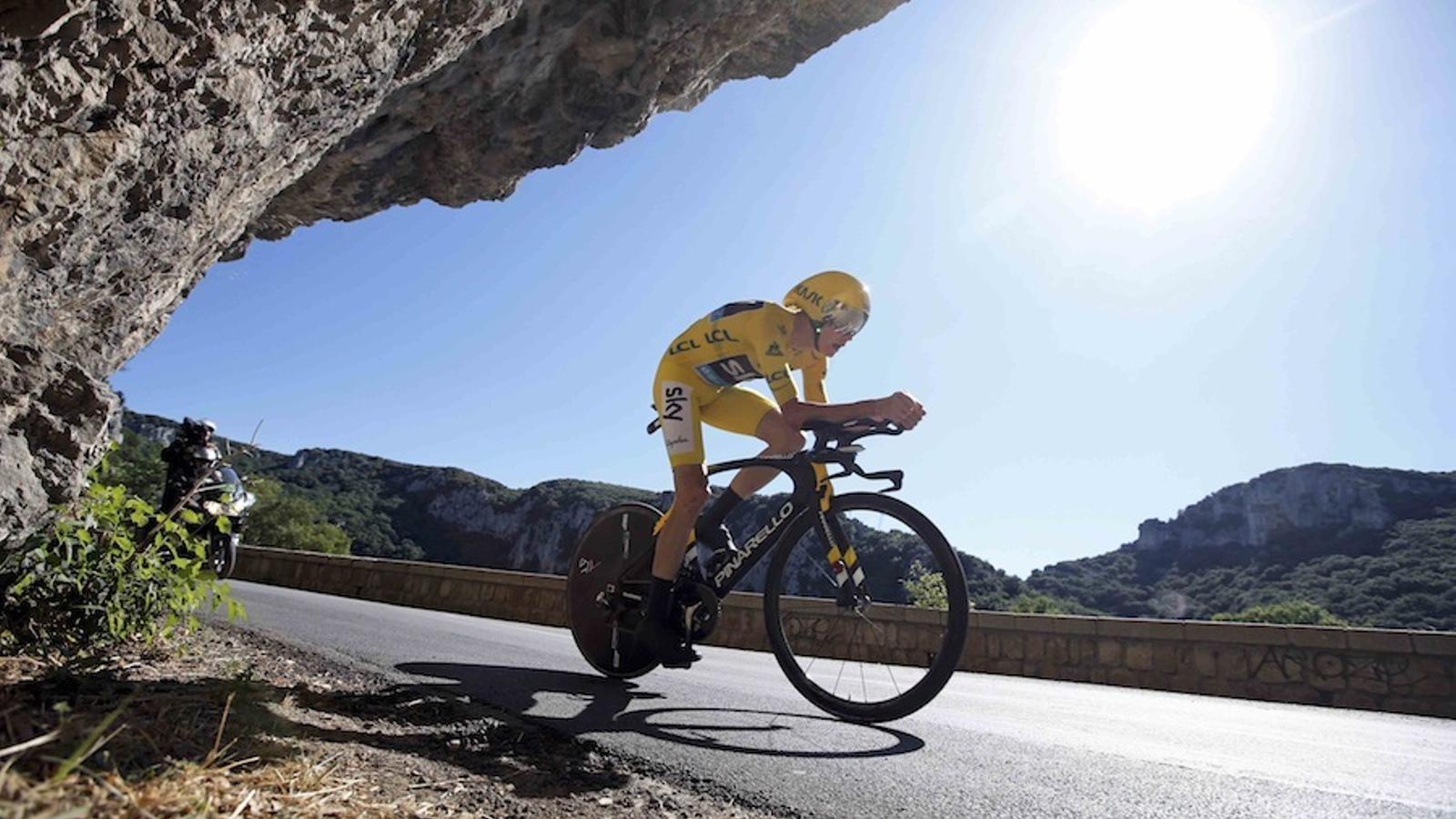 El britànic Froome durant la tretzena etapa del Tour