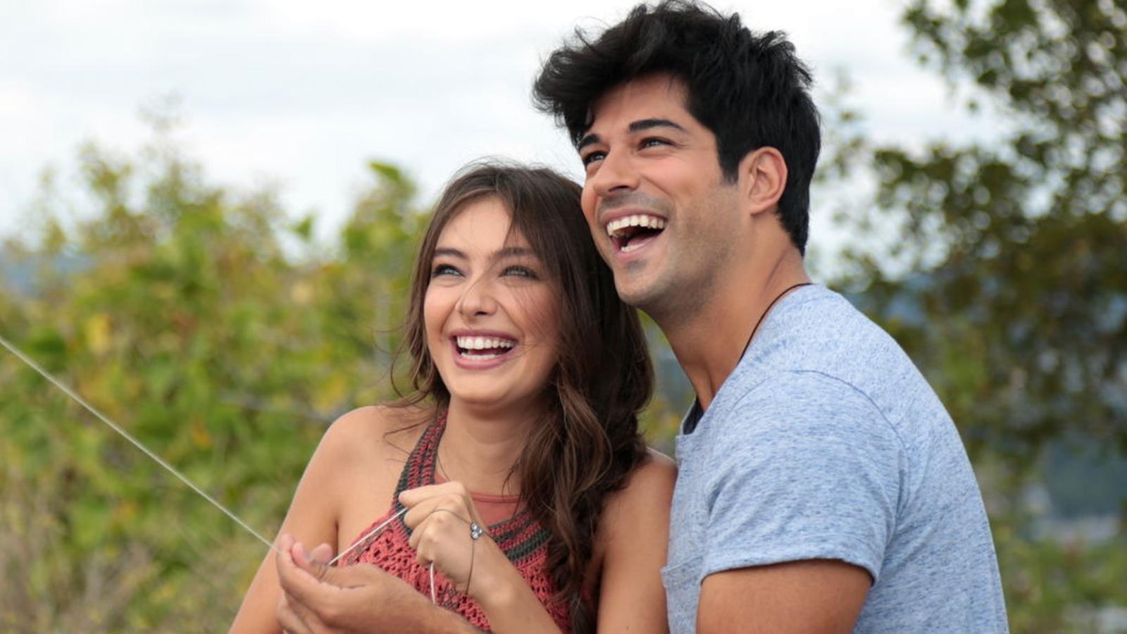 Telecinco aparta puntualment Sálvame Limón per estrenar l'exitosa sèrie turca 'Kara sevda'