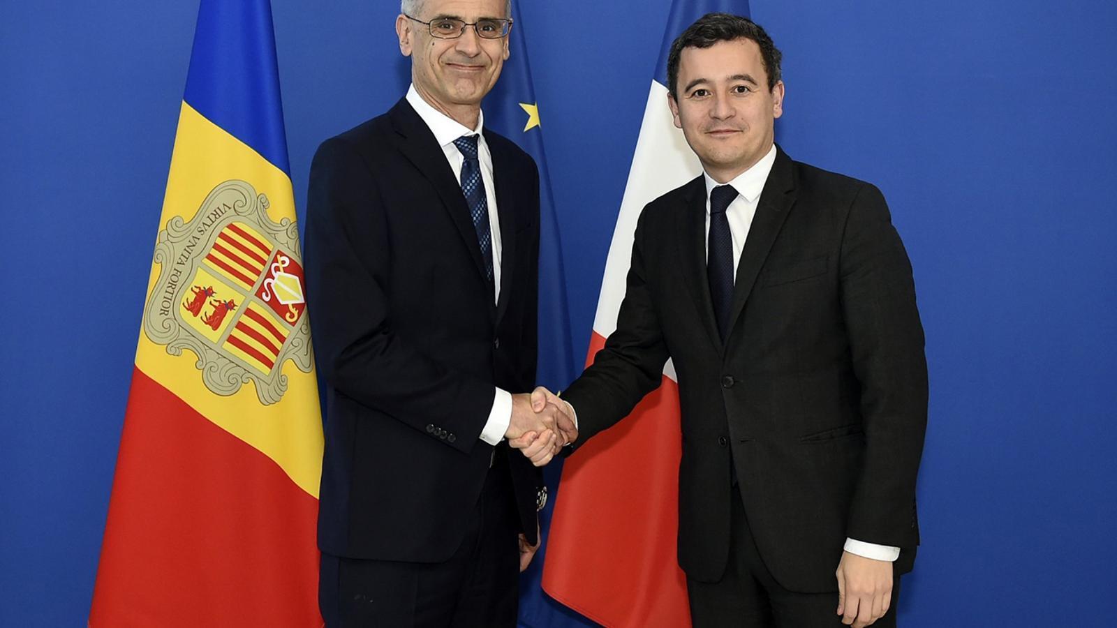 El cap de Govern, Toni Martí, i el ministre d'Acció i Comptes Públics francès, Gérald Darmanin, s'han reunit aquest dimarts a París. / SFGA