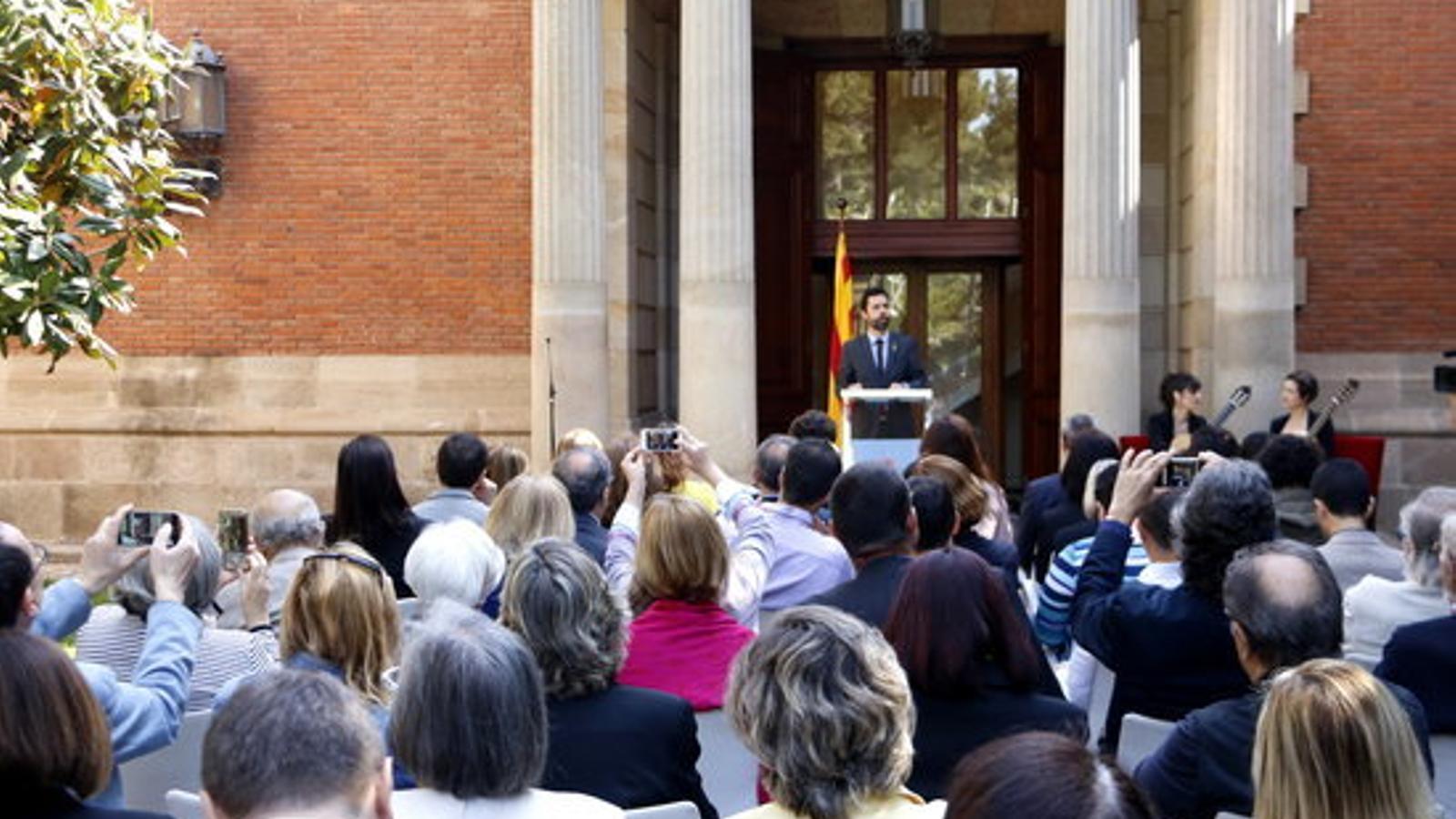 Roger Torrent, en l'acte de commemoració de Sant Jordi al Parlament
