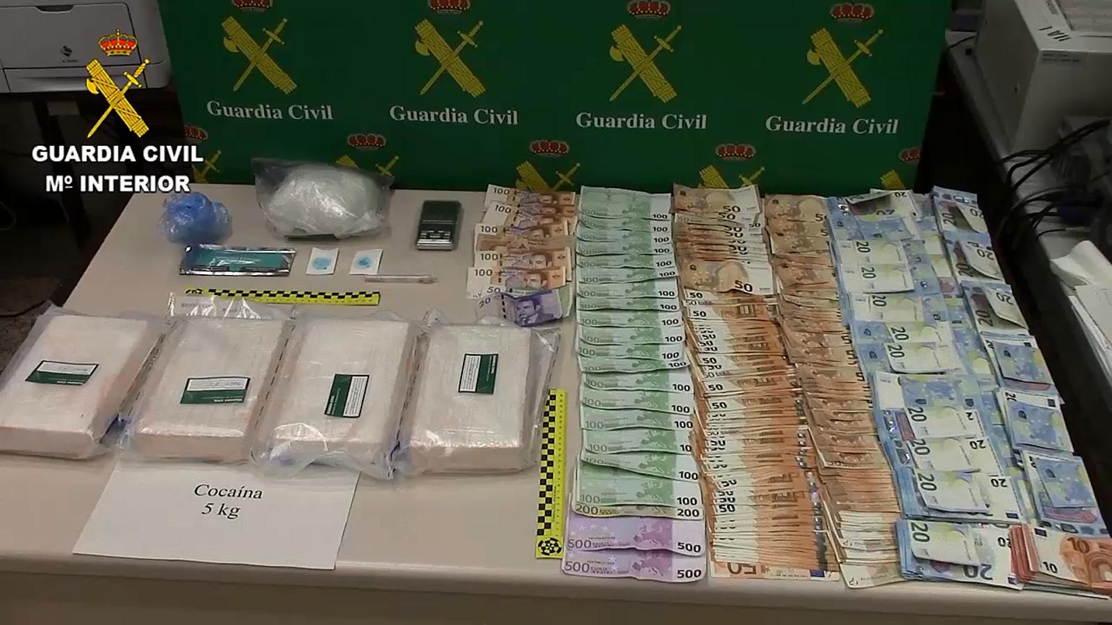 Cinc quilos de cocaïna interceptats dins un cotxe al port de Palma.