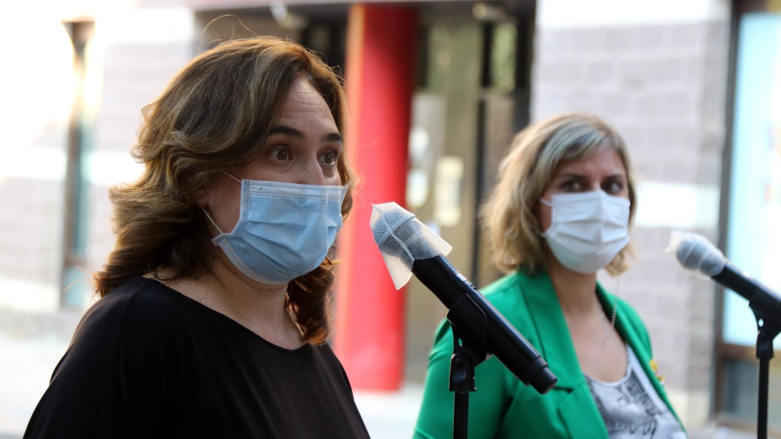 Ada Colau i Alba Vergés en la compareixença d'aquesta tarda