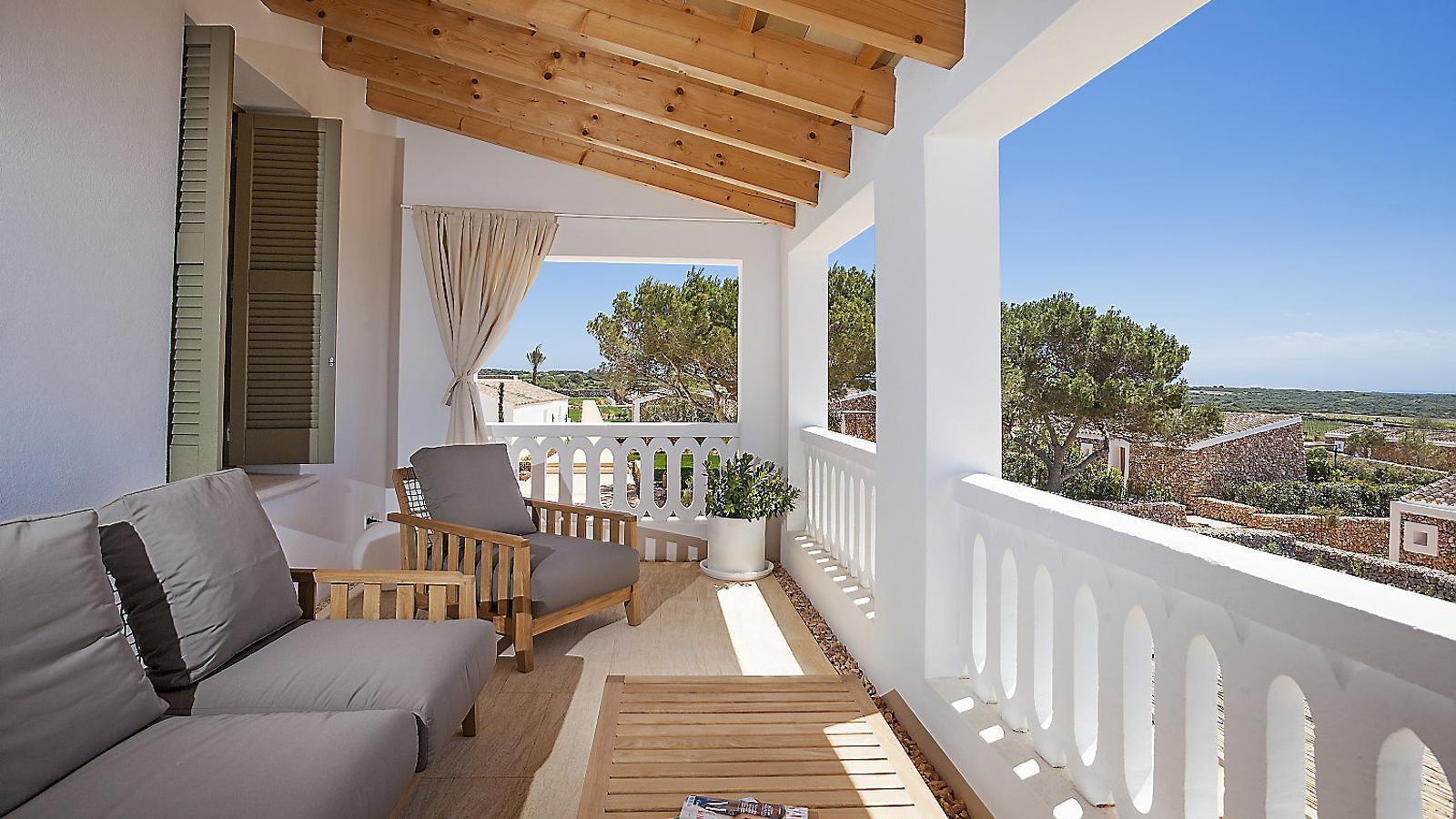 Un país per confinar-s'hi Torralbenc L'essència de Menorca entre vinyes i a cavall