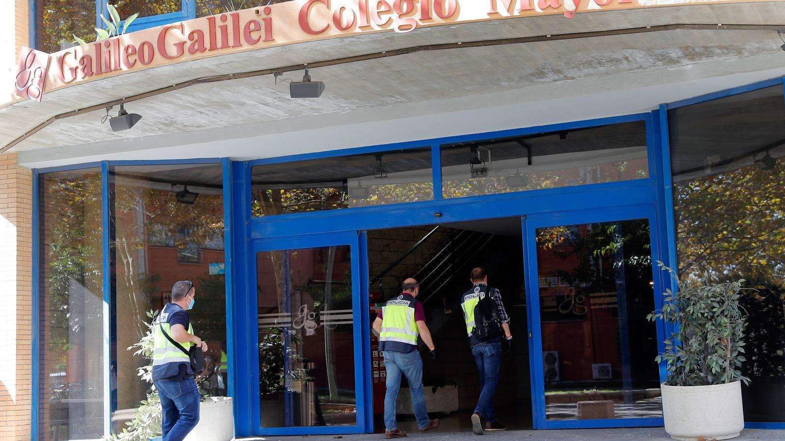 Agents de la Policia Autonòmica s'han personat al col·legi major Galileo Galilei de València per obrir diligències pel brot presumptament vinculat a una festa privada