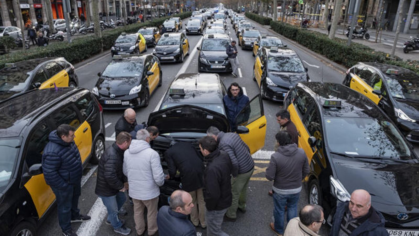 Els taxis són un dels sectors inclosos en els ERTO de força major