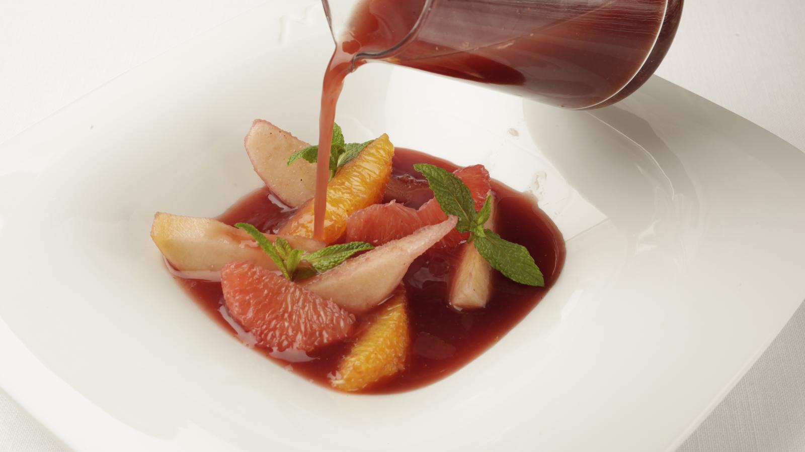 Com es fa la sangria de fruites? Recepta del cuiner Ferran Adrià