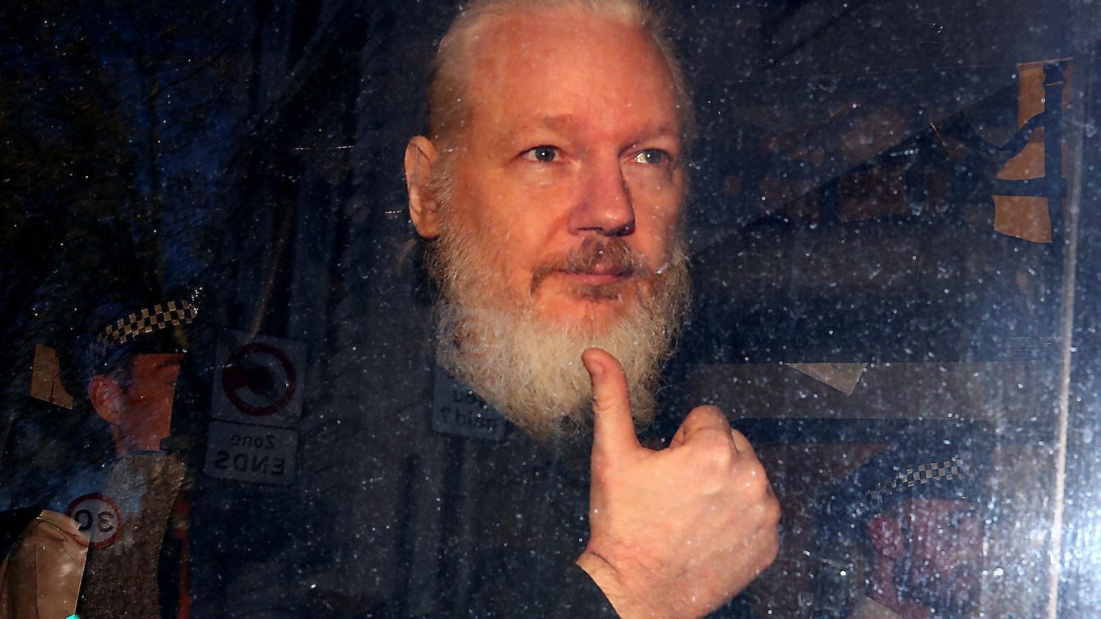 """Els EUA demanen cinc anys de presó per a Assange per """"conspiració"""""""