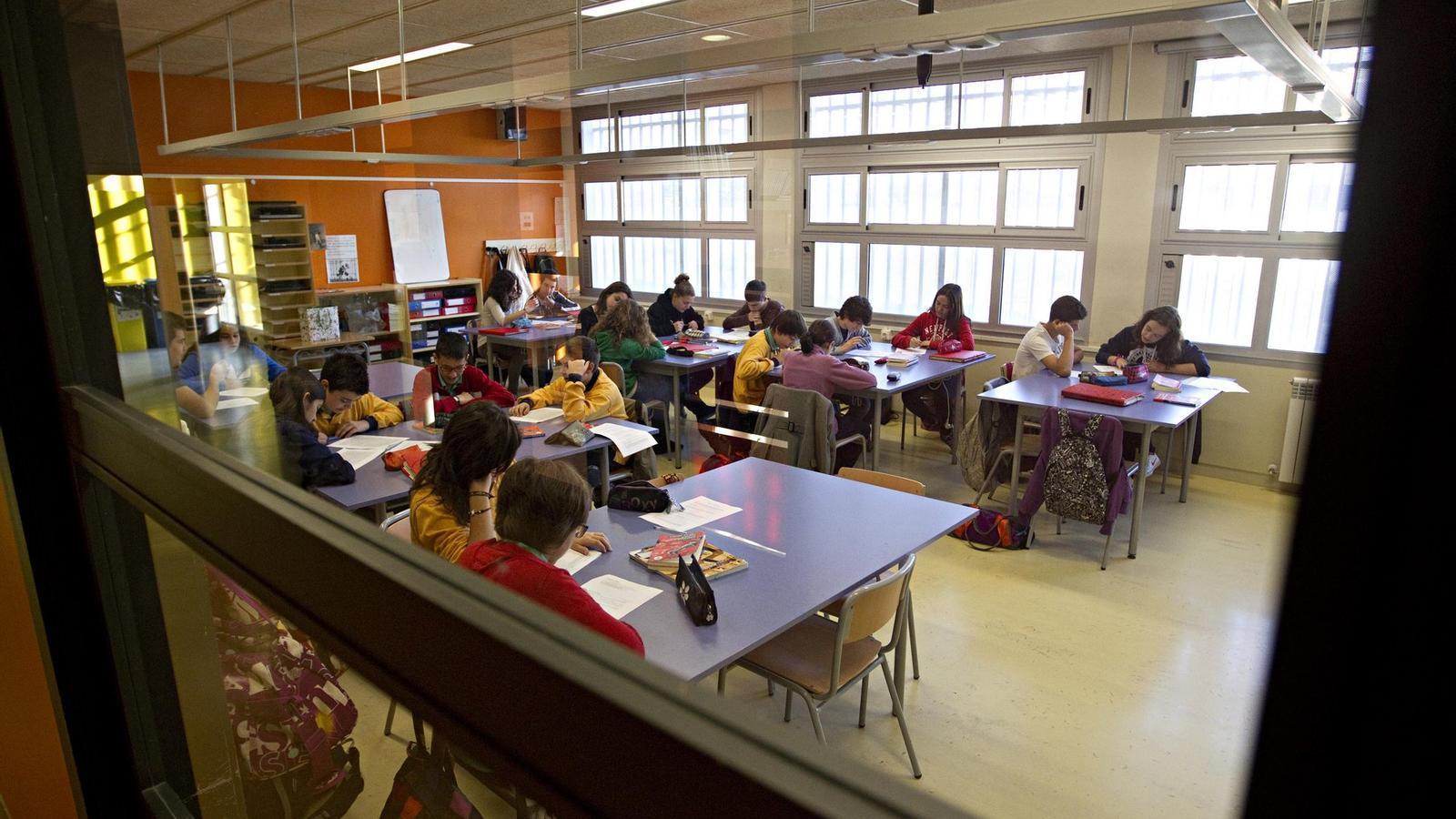 Alumnes a classe d'anglès./ Xavier Bertral