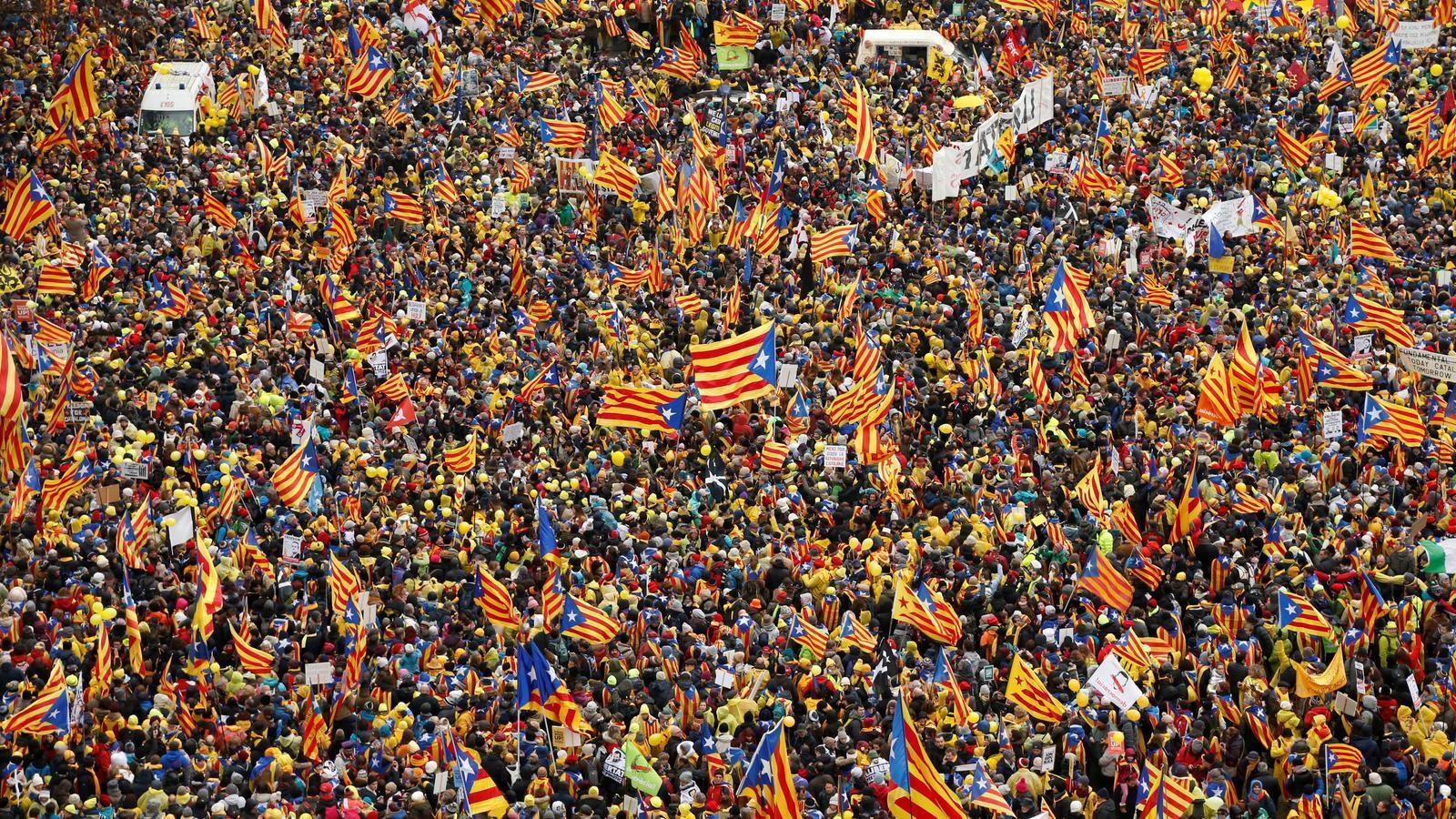 "Milers de catalans clamen ""Europa, desperta!"" des de Brussel·les."