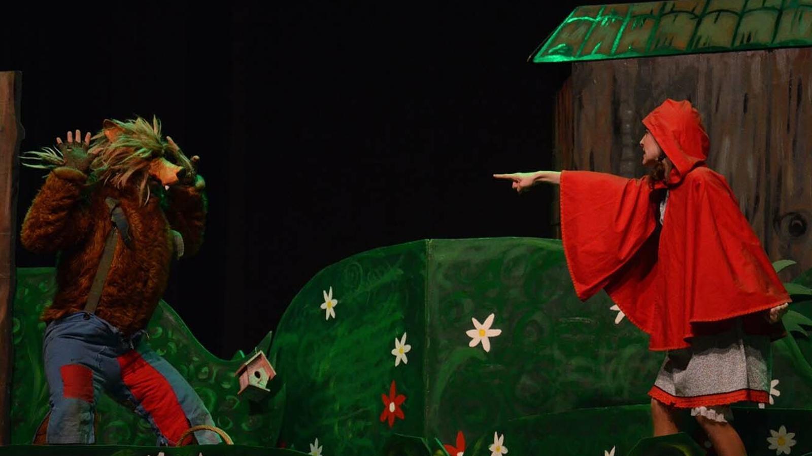 Una imatge de l'espectacle 'La caputxeta i el llop'. / COMÚ D'ENCAMP