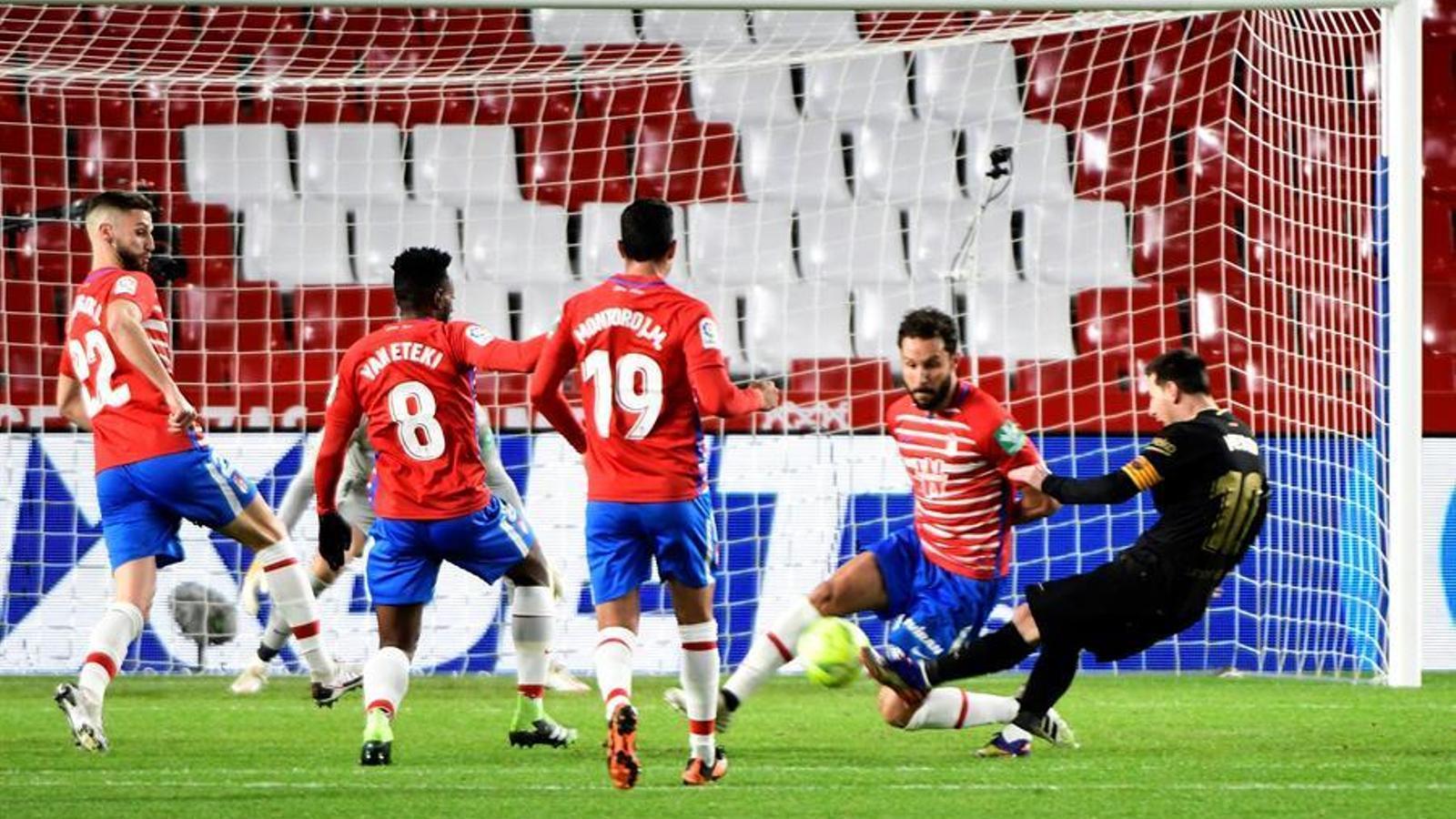 Messi, marcant el 0-3 al camp del Granada