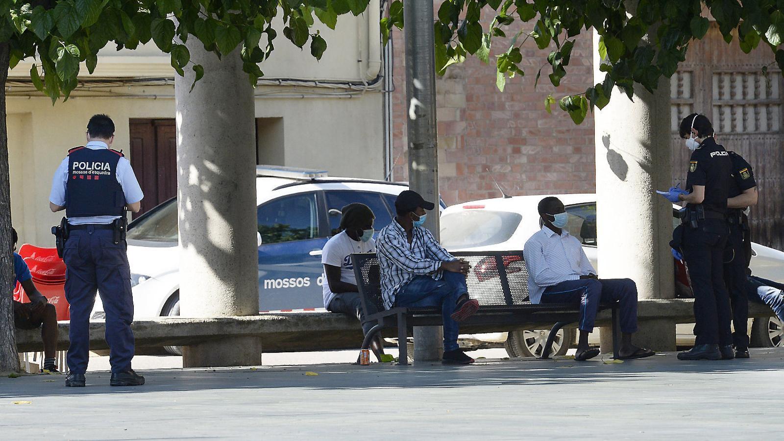 Els temporers de Lleida dormen  al carrer malgrat el coronavirus
