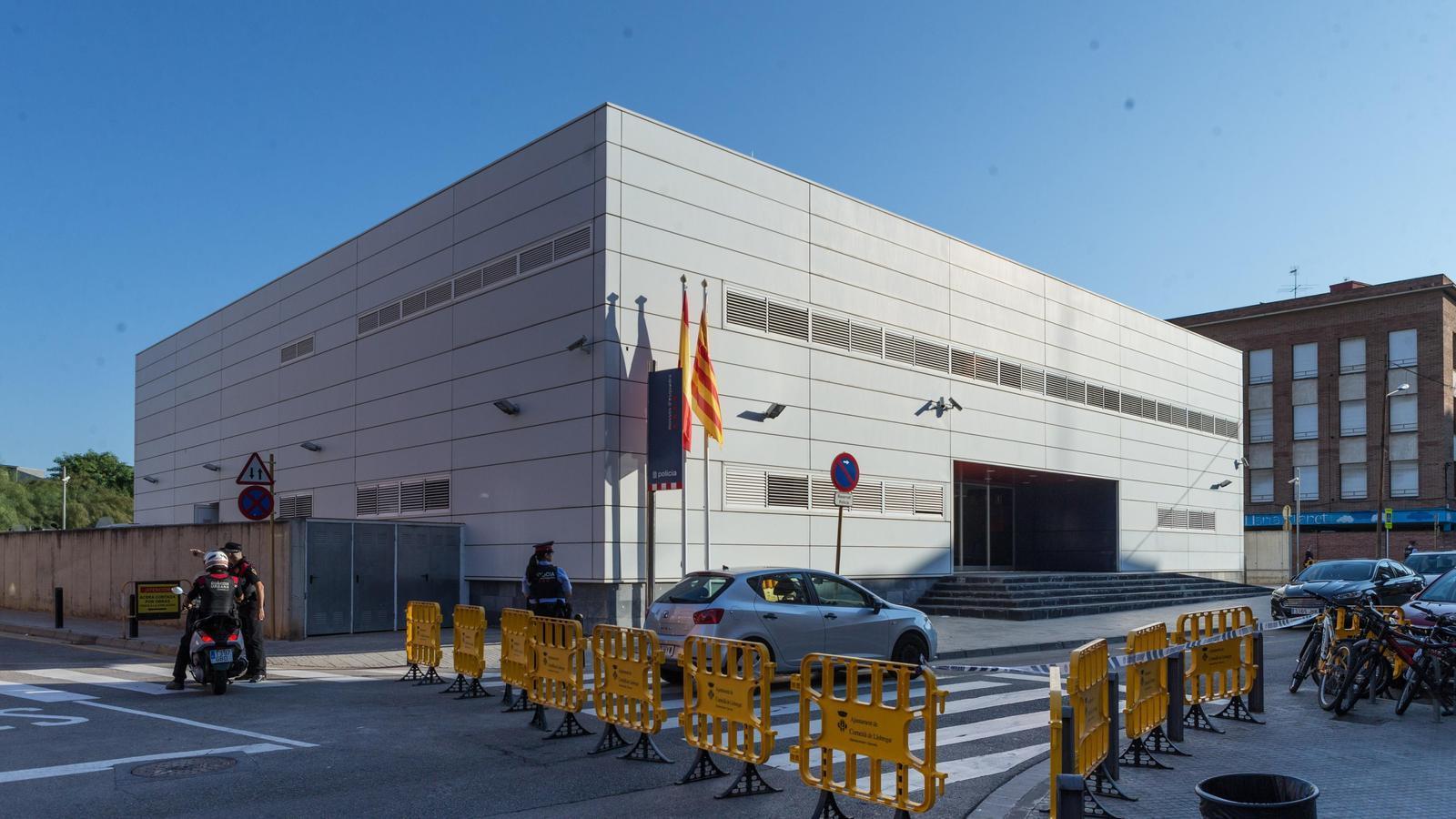 """Interior qualifica de """"fet aïllat"""" l'atac a la comissaria de Cornellà dels Mossos"""