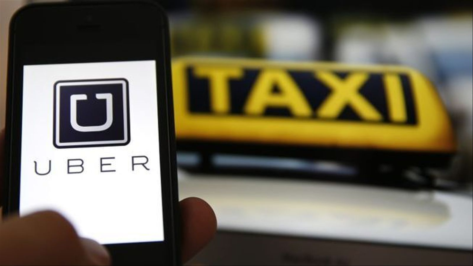 Uber torna a Barcelona com a aplicació de taxi