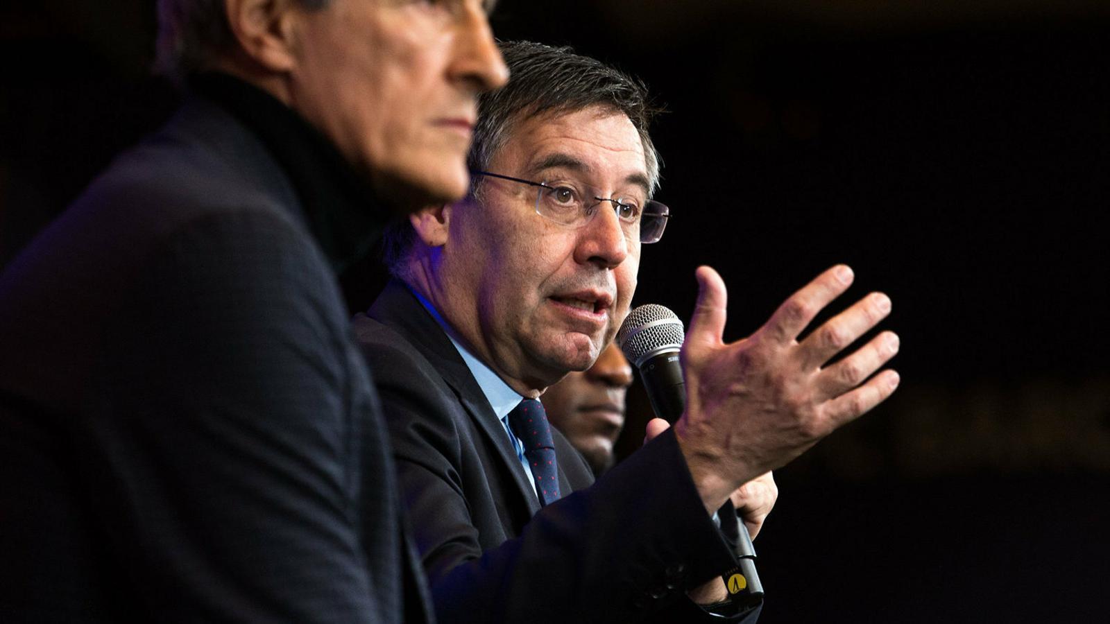Josep Maria Bartomeu durant la presentació de Quique Setién.