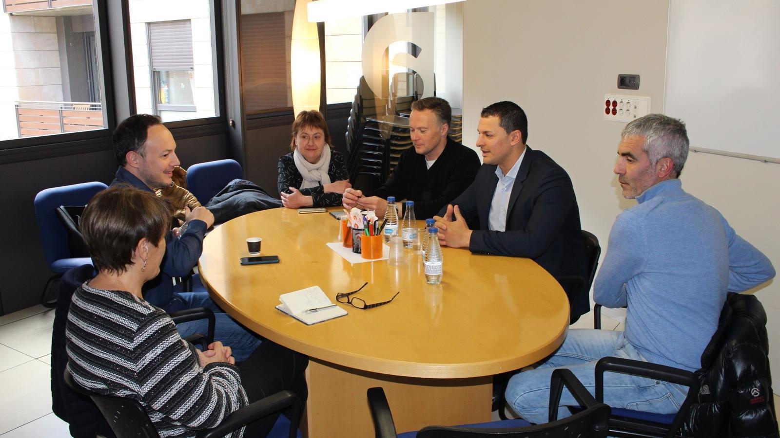 Espot i Suñé amb la delegació liberal, aquesta tarda / DEMÒCRATES