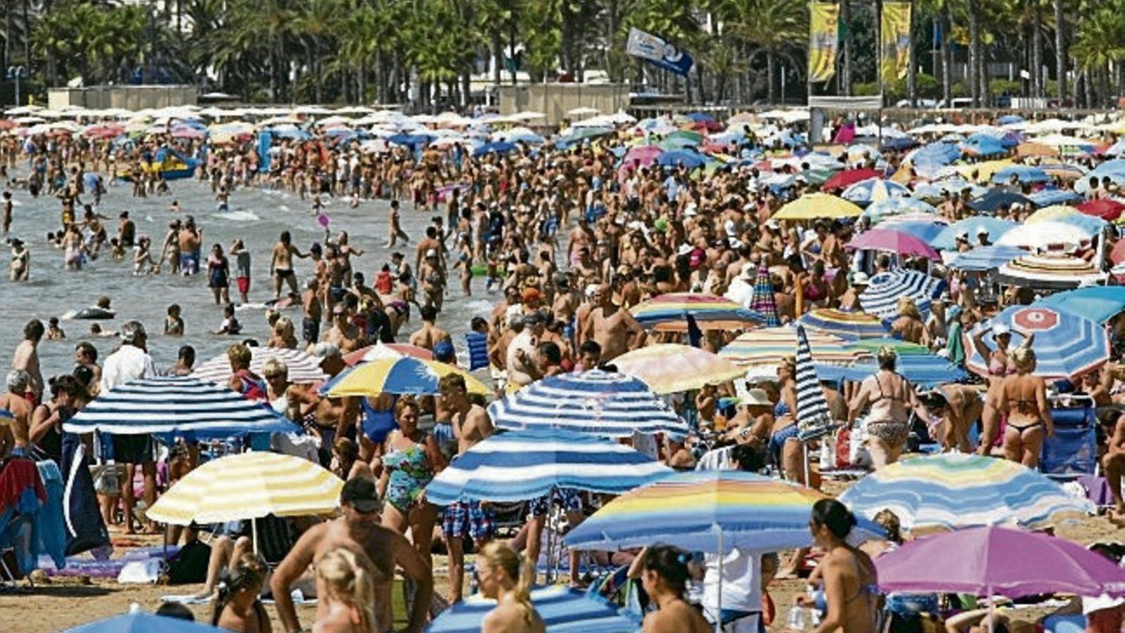 Els turistes espanyols tornen a Catalunya