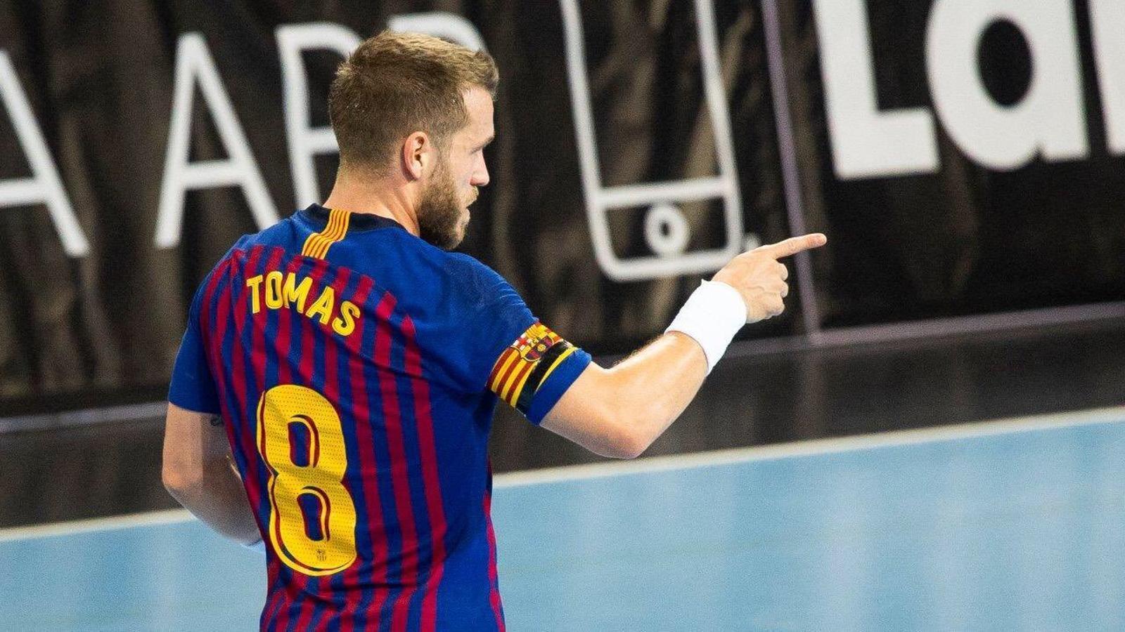 Víctor Tomás al partit d'Asobal contra l'Osca