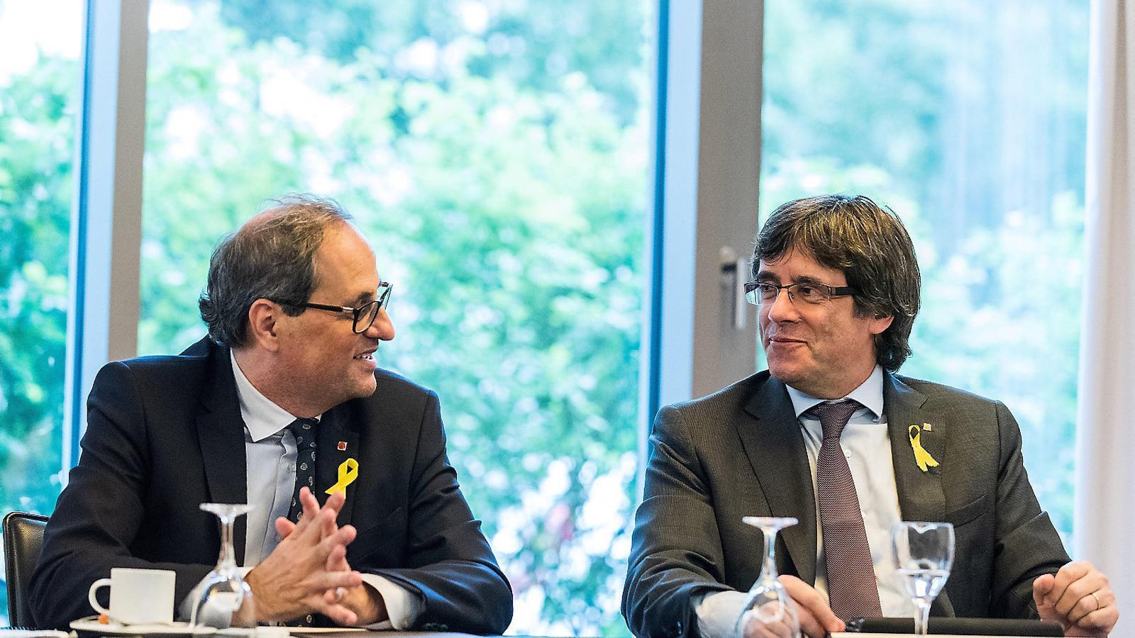 El president de la Generalitat, Quim Torra, i l'expresident Carles Puigdemont es van reunir ahir en un hotel de Berlín per abordar la situació política a Catalunya, que té el principal punt d'interès en la reunió imminent entre Torra i el president espanyol, Pedro Sánchez.