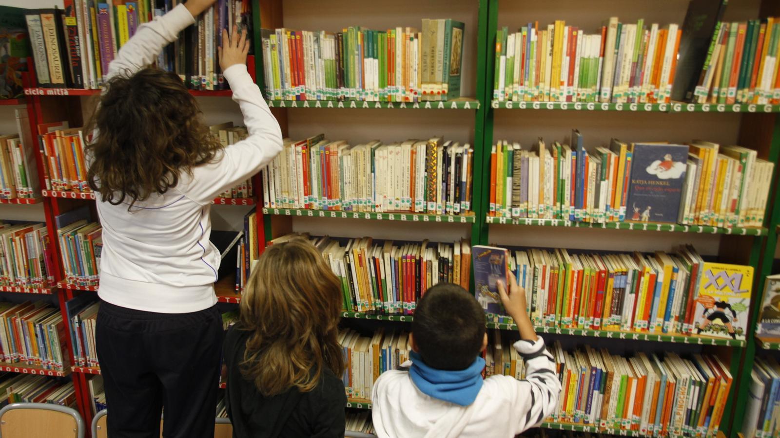 """""""Les habitacions amb llibres antics no són biblioteques"""""""