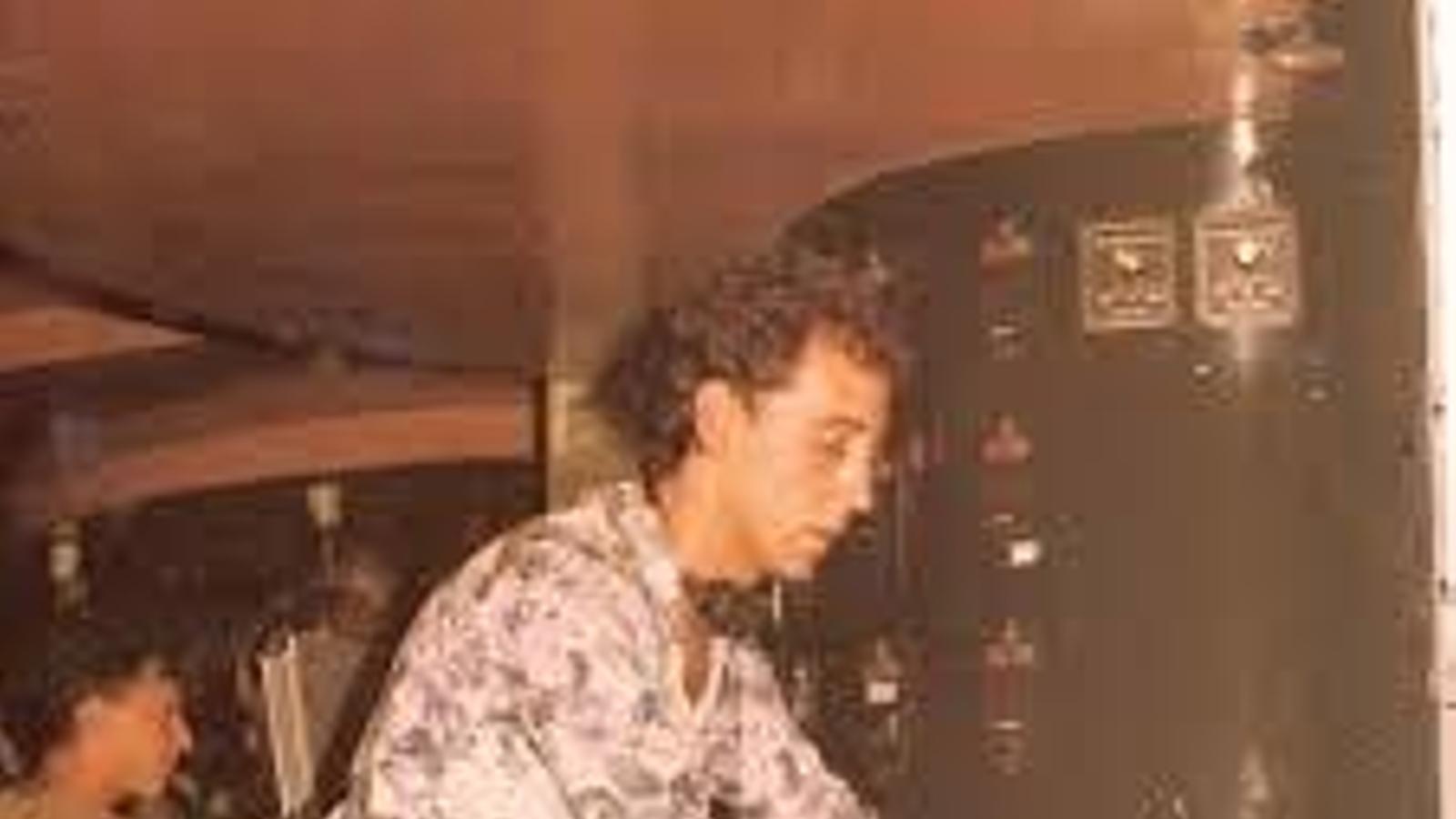 José Padilla punxant en una imatge de l'arxiu familiar