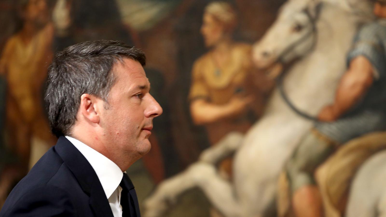 El cap de govern italià ha dimitit després de perdre el plebiscit per canviar la Constitució.