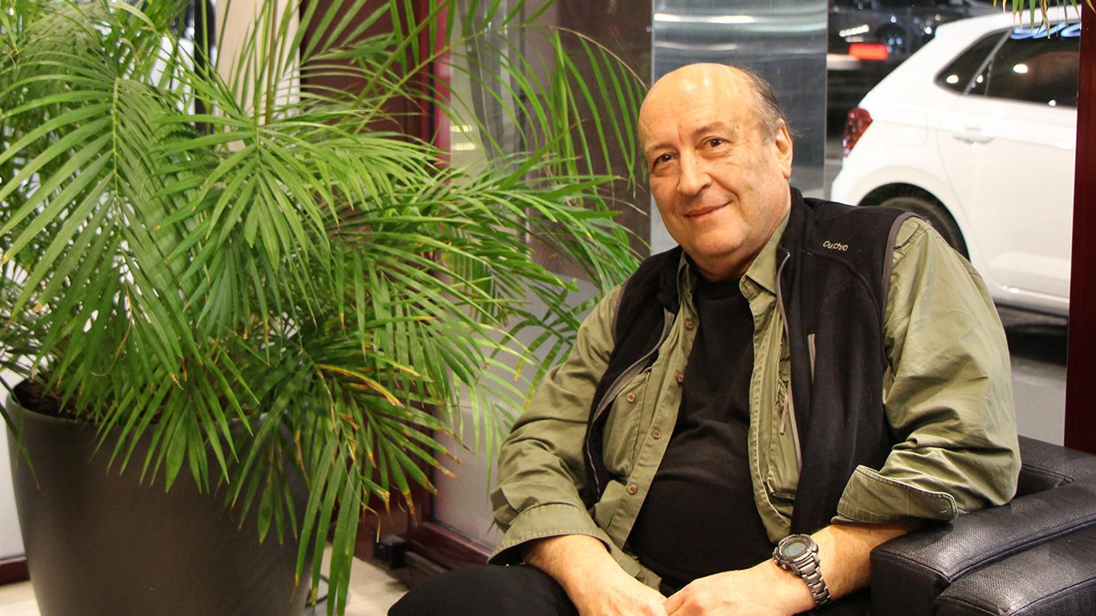 El científic i professor Pierre-Henri Gouyon, durant l'entrevista. / M. F. (ANA)