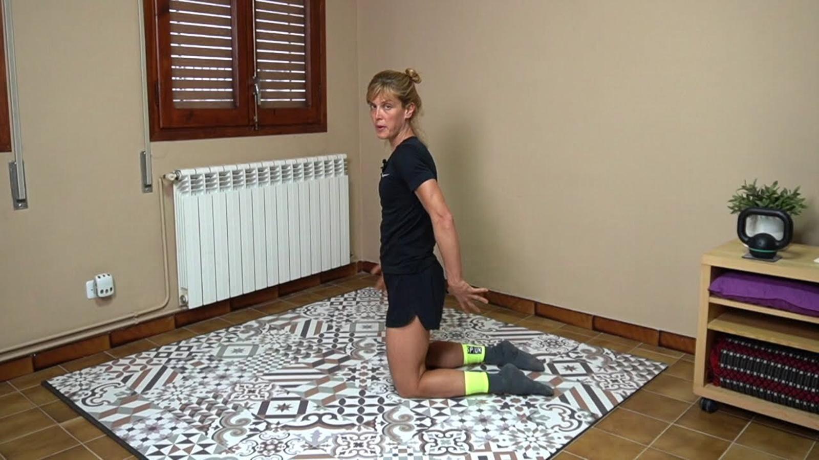 Un dels vídeos per fer exercici a casa en català