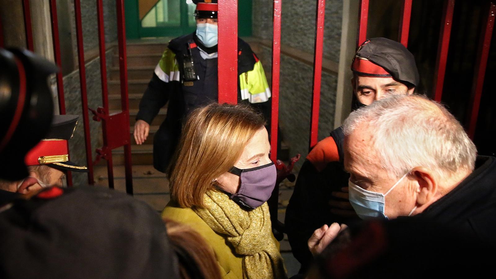 """Bassa, abans d'entrar a la presó de Figueres: """"Diguin el que diguin, el diàleg i la negociació hi seran sempre"""""""