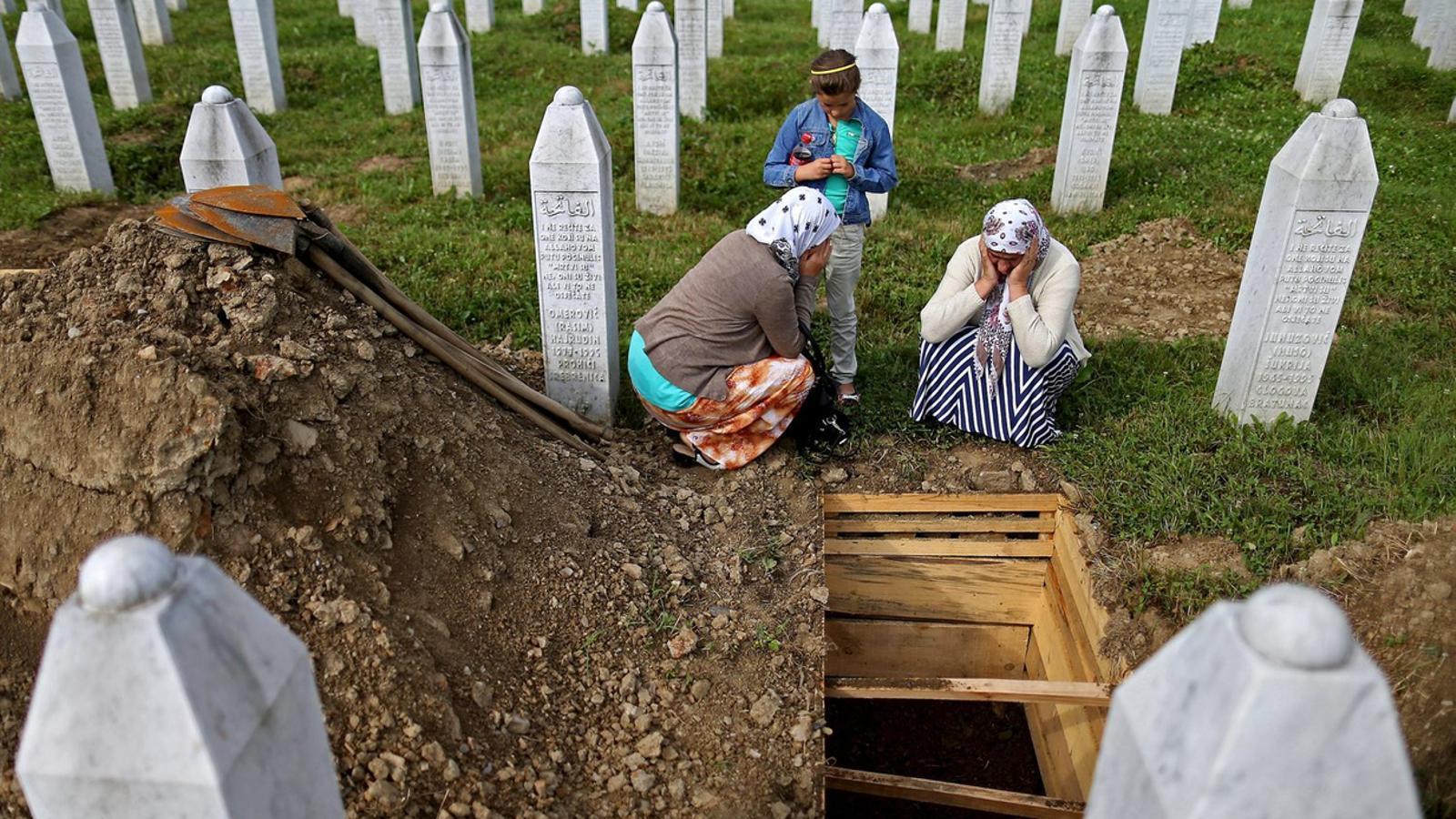 EUA, Regne Unit i França van entregar Srebrenica als serbis a canvi de l'acord de pau
