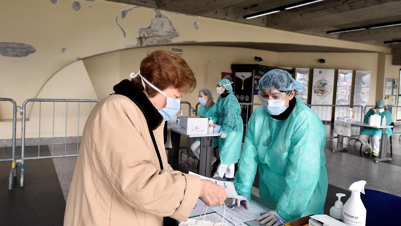 Llista d'espera als tanatoris italians a causa del coronavirus