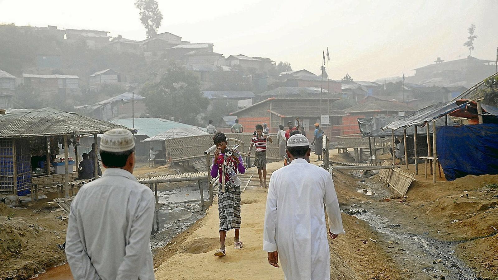 Per què la Xina justifica  el genocidi dels rohingyes