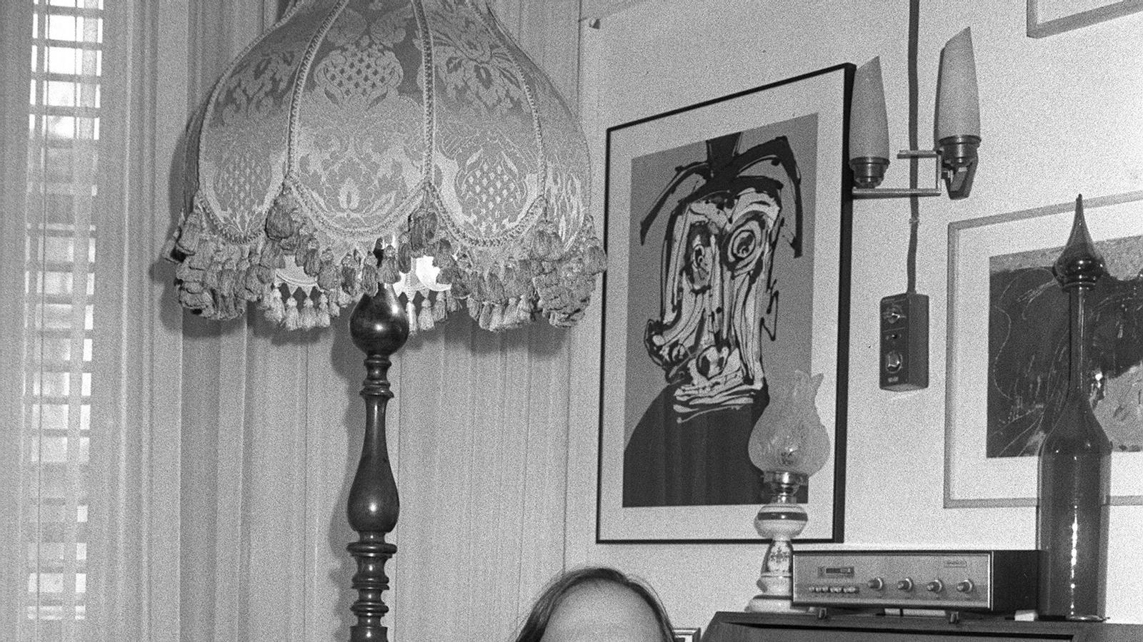 Pere Gimferrer, a casa seva, quan va ser escollit membre de la Reial Acadèmia Espanyola el 1985