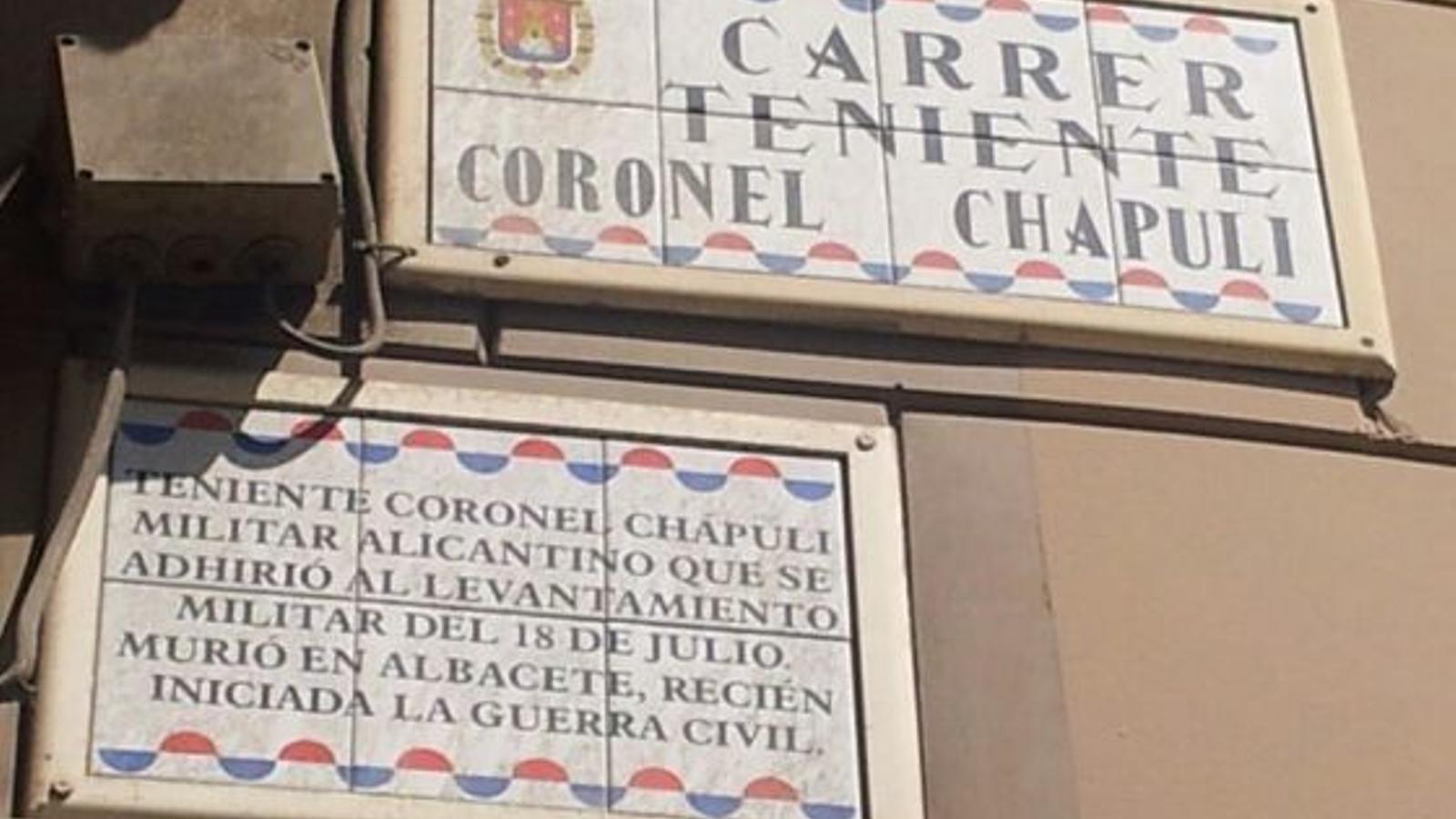 Un jutge ordena restaurar els noms franquistes de carrers retirats pel nou govern d'Alacant