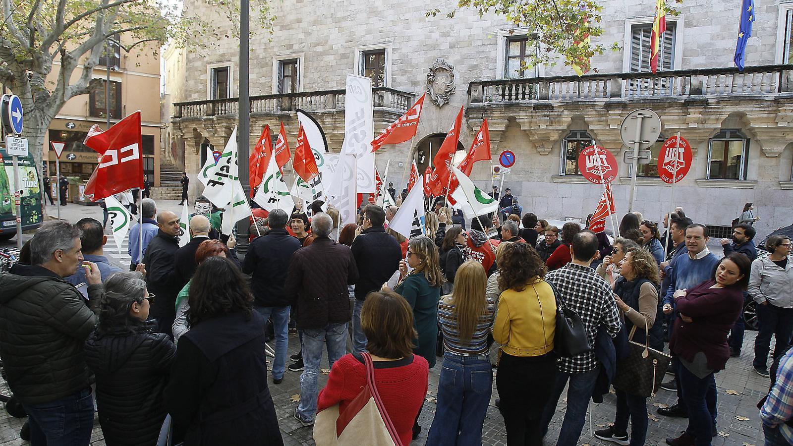 El 53% dels funcionaris del cos judicial secunden la vaga