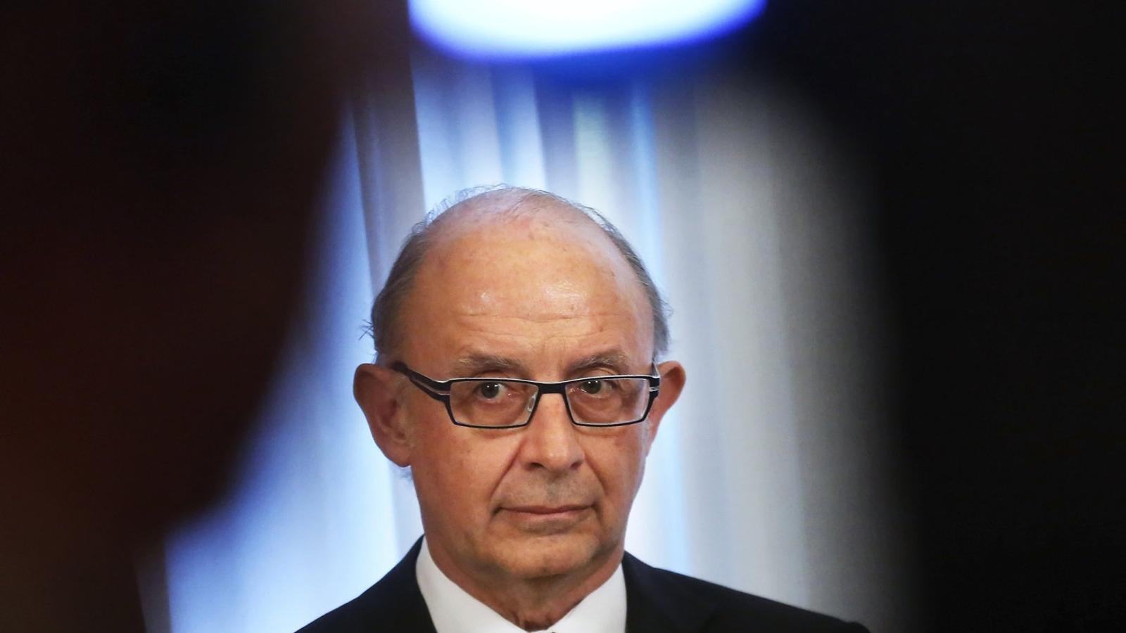 Montoro rectifica: no retirarà el FLA si Catalunya gasta en el referèndum (però enviarà 'homes de negre')