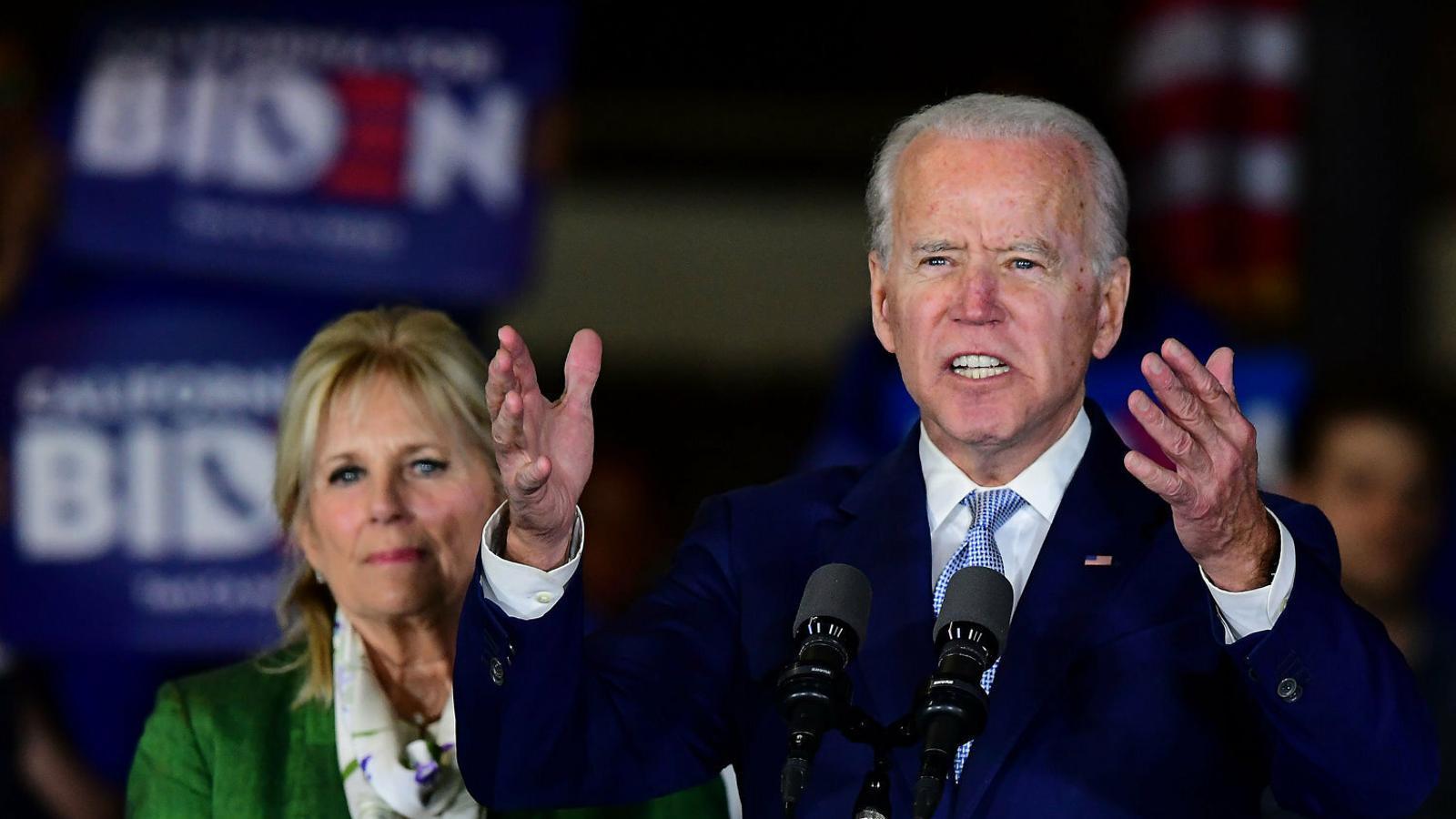 """La resurrecció de Biden frena la """"revolució"""" de Sanders"""