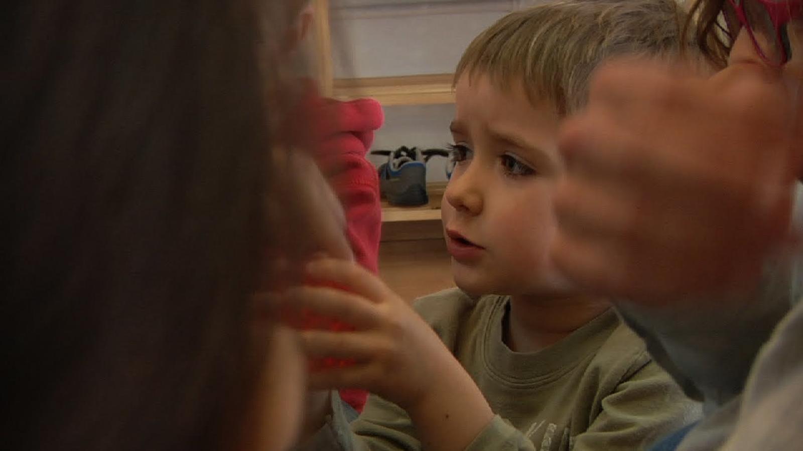 Els sentiments s'aprenen jugant. Taller d'educació emocional per a infants