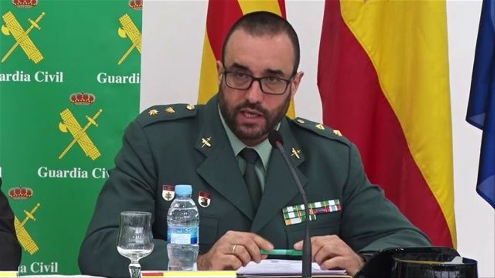 El coronel cap de la Policia Judicial de la Guàrdia Civil a Catalunya, Daniel Baena, explica l'operació antidroga a Torrelles de Foix