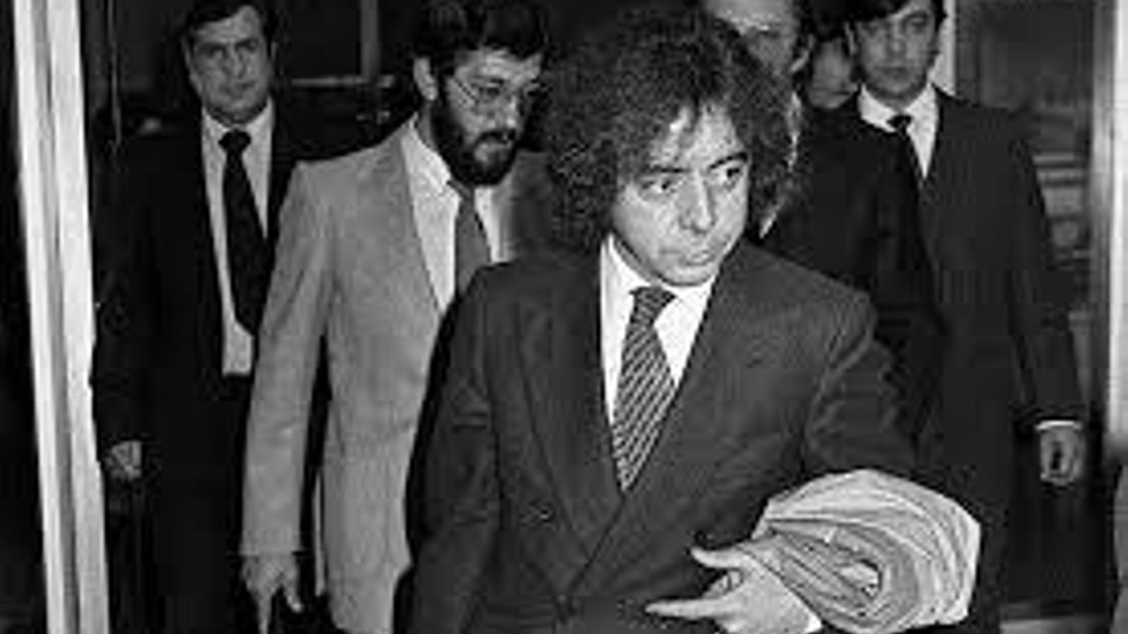 Més de 266.000 firmes per retirar la medalla al torturador Billy el Niño