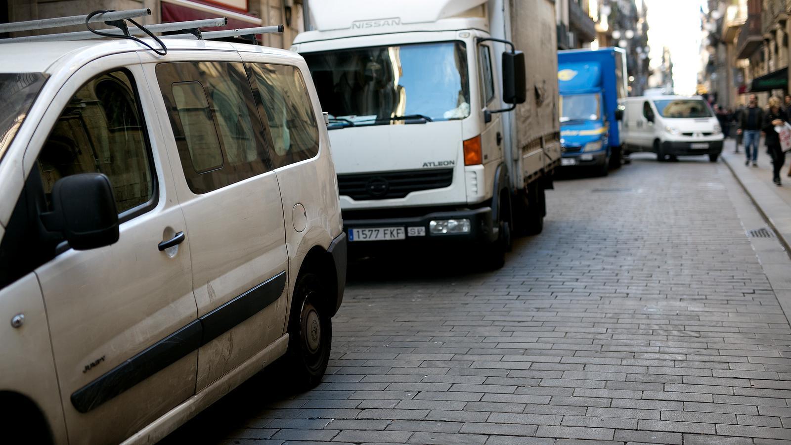 Menys queviures i medicaments, els efectes de la vaga de transportistes